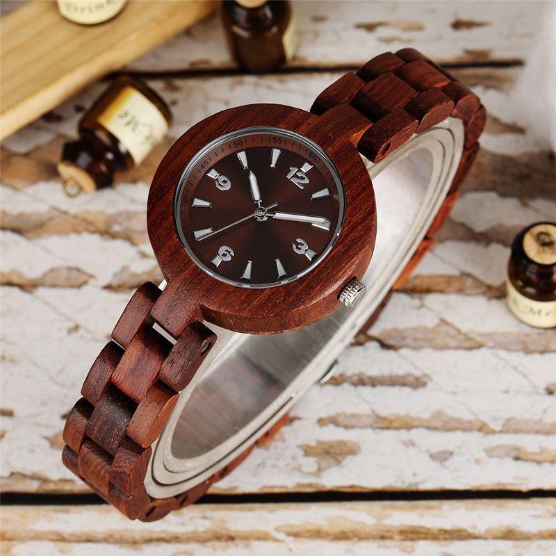 Dřevěné dámské hodinky