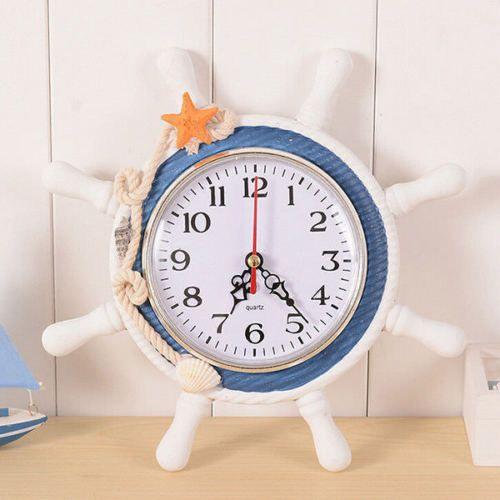 Nástěnné hodiny v námořnickém stylu