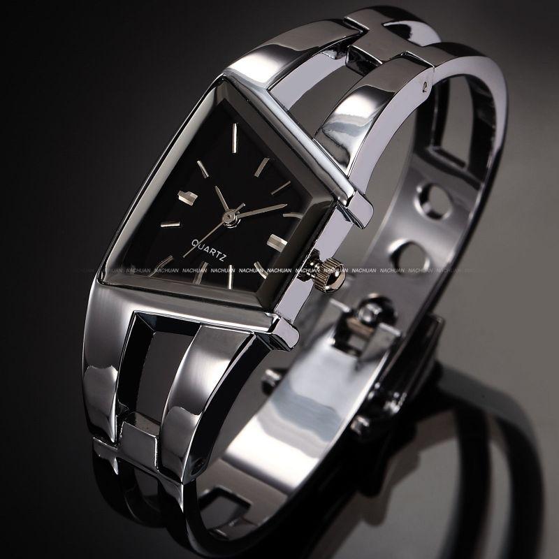 elegantní dámské náramkové hodinky